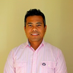 Dr Mazly Zakaria